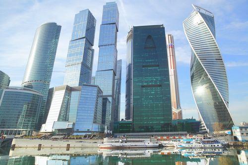 Апартаменты за облаками: какое жилье продается в небоскребах «москва-сити»