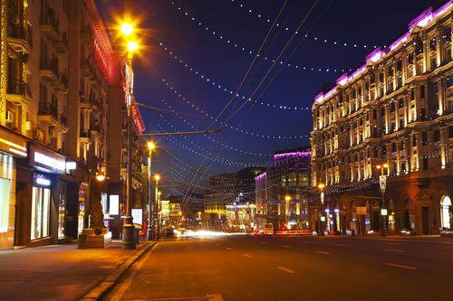 Дорогие магазины переезжают с тверской улицы