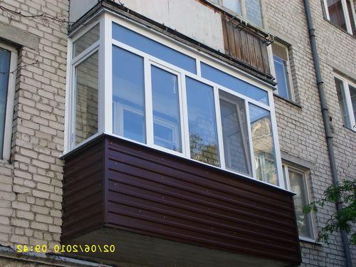 Как остеклить дом и где выбрать окна?