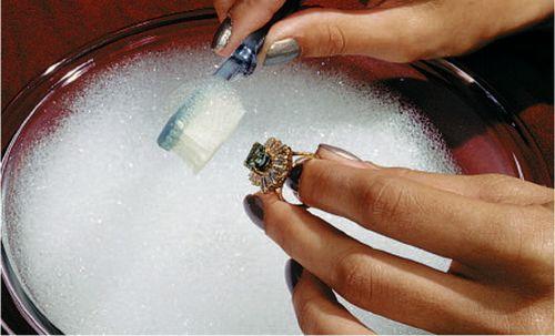 Как почистить золото в домашних условиях: проверенные способы. не обязательно идти к ювелирам, почистить золото можно и дома!