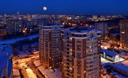 Крайности выбора: кто и почему покупает жилье на первом и последнем этаже