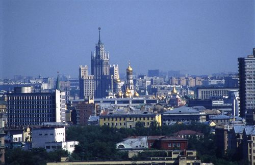 Квартира в москве: откуда берутся заоблачные цены