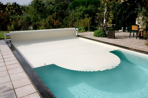 Подогрев воды в бассейне: нагревательные устройства и характеристики