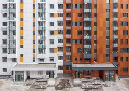 Разноцветные стандарты: как выглядят многоквартирные дома новых серий