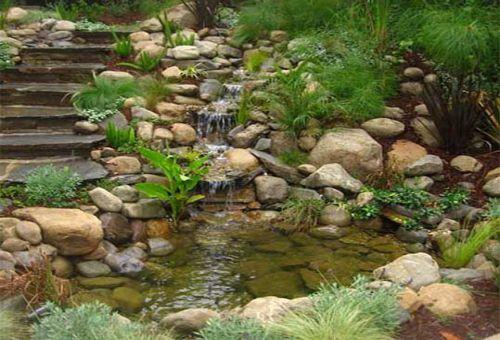Ручей как декоративный элемент сада