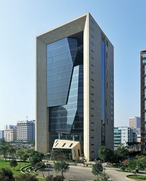 Самые ненавидимые здания в мире