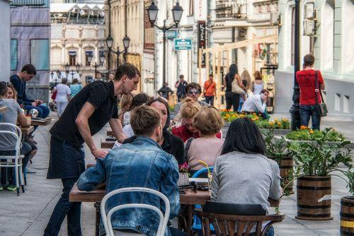 Сколько стоит открыть магазин на пешеходных улицах москвы