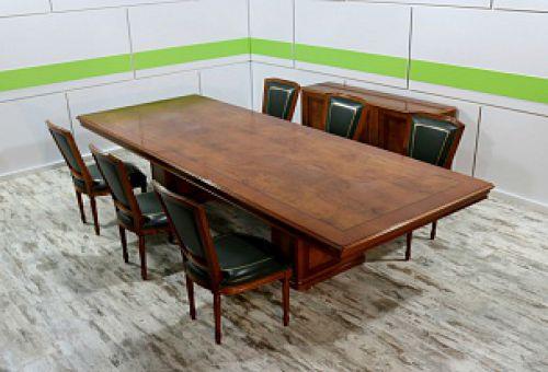 Столы для переговоров: в чем их особенности?