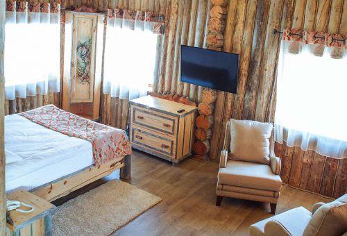 Уютная деревянная отделка помещения