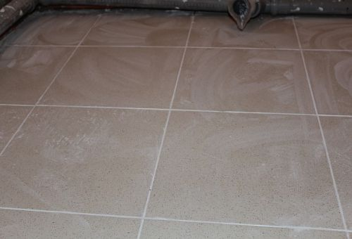 Влажная очистка межплиточных швов